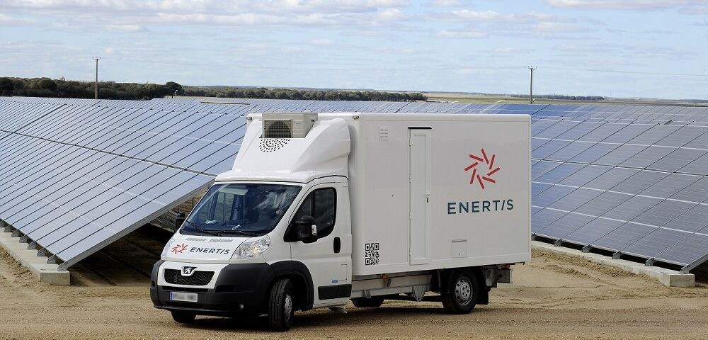 Enertis launches its new mobile laboratory for the analysis of photovoltaic plants in Chile